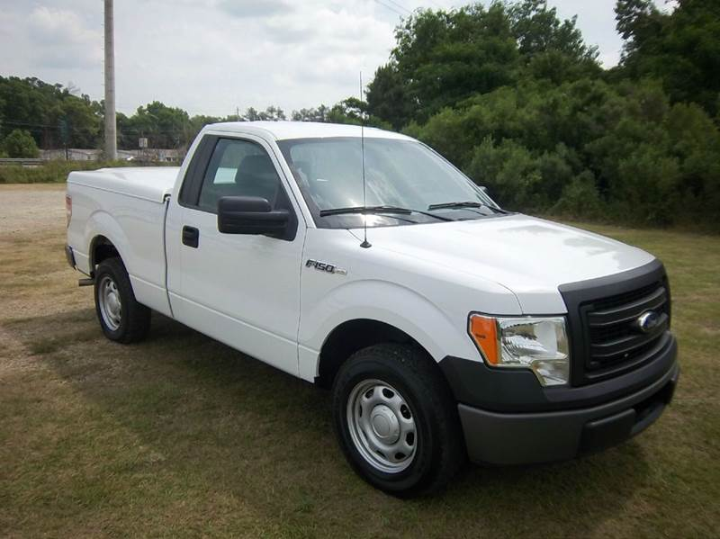 2013 FORD F-150 XL 4X2 2DR REGULAR CAB STYLESIDE white looking for a super nice one owner fleet
