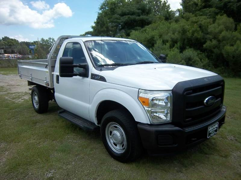 2012 FORD F-250 SUPER DUTY XL 4X2 2DR REGULAR CAB 8 FT LB white this truck is extremely versatil