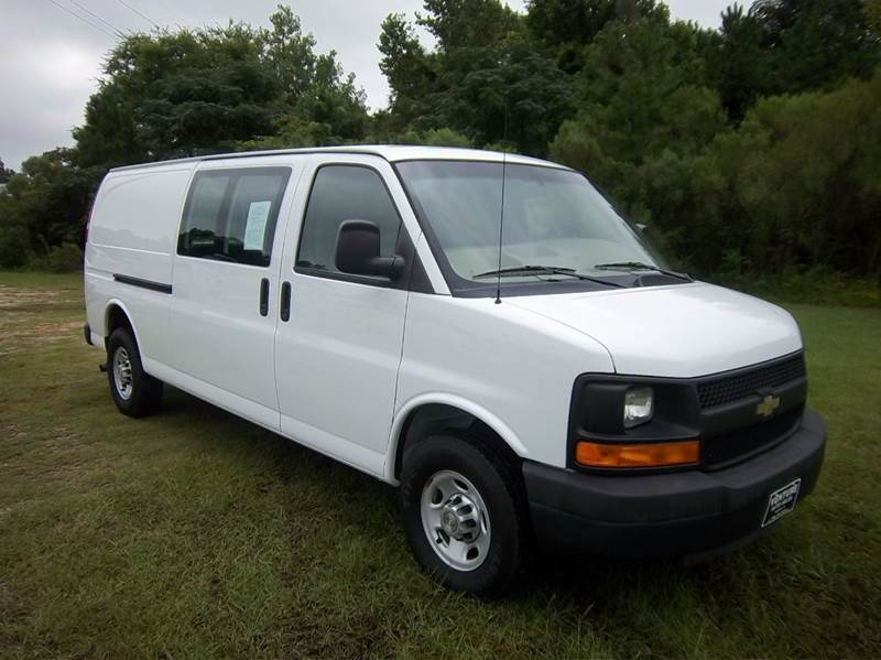 2010 CHEVROLET 3500 EXT EXPRESS CARGO 3DR EXTENDED white this is a rare van 60 v8 one ton ext