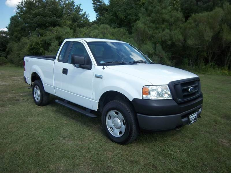 2008 FORD F-150 XL 4X4 2DR REGULAR CAB STYLESIDE white this is a regular cab that has small acce