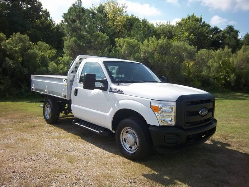2012 FORD F-250 SUPER DUTY XL 4X2 2DR REGULAR CAB 8 FT LB white this is a very versatile truck
