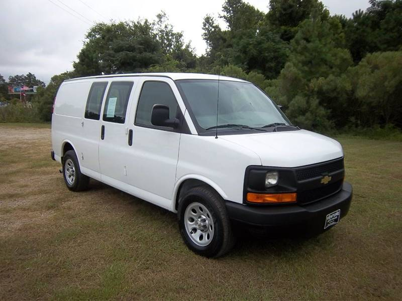 2014 CHEVROLET EXPRESS CARGO 1500 3DR CARGO VAN white this van is a light duty cargo van with the