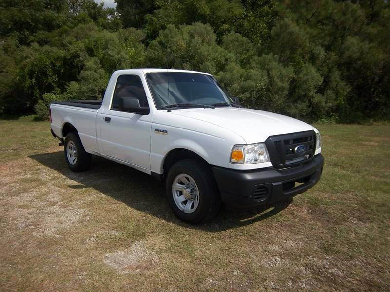 2011 FORD RANGER XL 4X2 2DR REGULAR CAB SB white this regular cab ranger is priced to sell quickl
