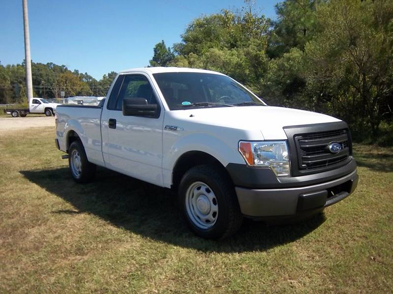 2013 FORD F-150 XL 4X2 2DR REGULAR CAB STYLESIDE white this truck will make you a great work truc