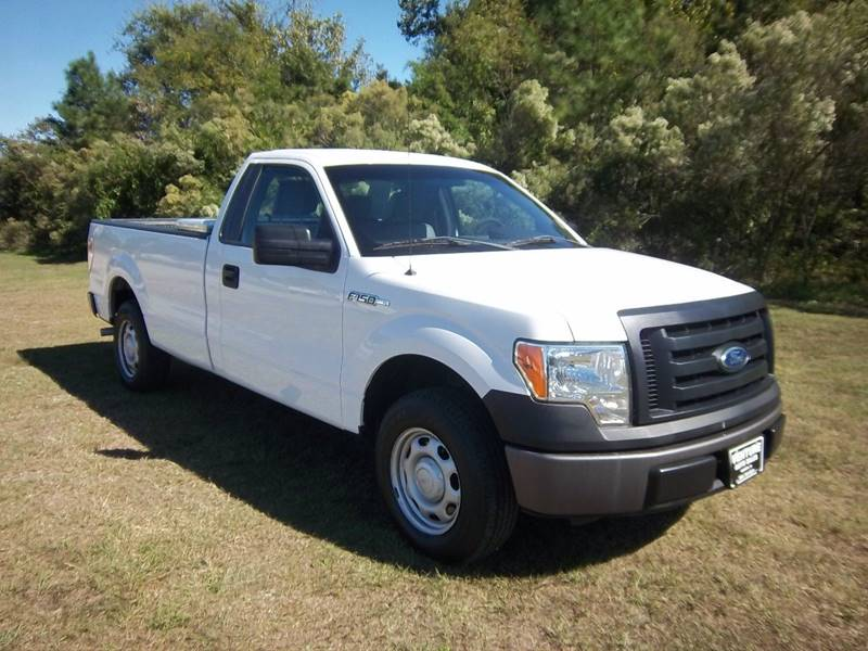 2012 FORD F-150 XL 4X2 2DR REGULAR CAB STYLESIDE white put an 8ft stack of lumber in the back of