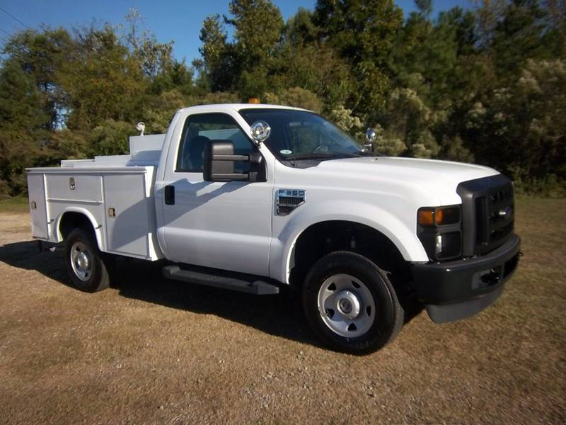 2009 FORD F350 XL SD SERVICE TRUCK 2DR 4X4 white do you need a place for all your tools supplies