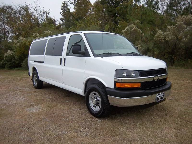 2008 CHEVROLET EXPRESS PASSENGER 15 PASS VAN white perfect van for those great family memories w