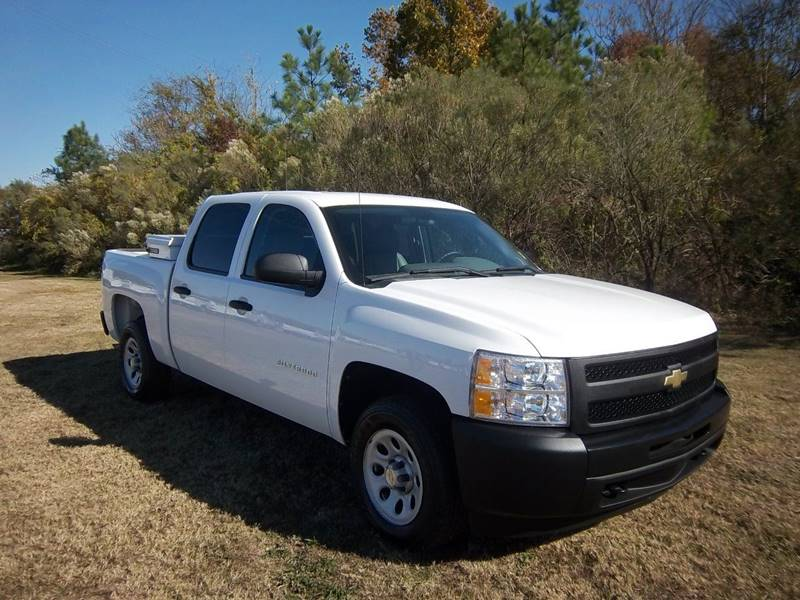 2010 CHEVROLET SILVERADO 1500 4DR white how about a crew cab short bed truck with power windows