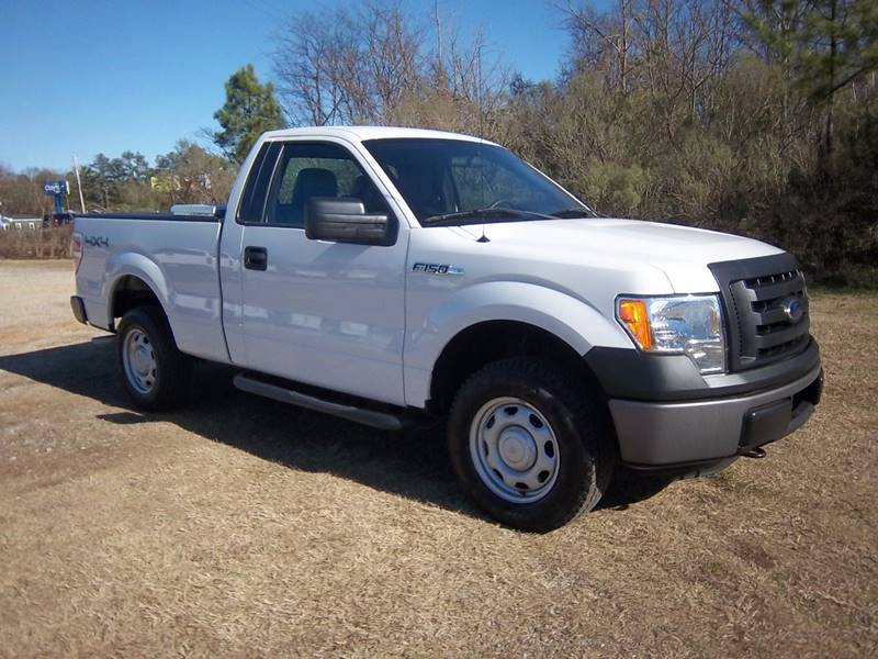 2012 FORD F-150 XL 4X4 2DR REGULAR CAB STYLESIDE white this truck would make a great off the road