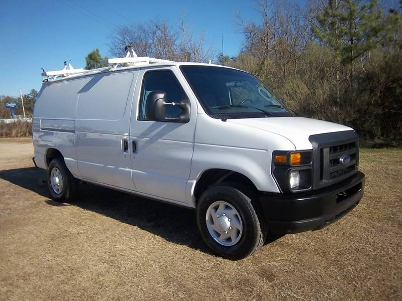 2008 FORD E-SERIES CARGO 3DR white looking for a heavy duty van that will work as hard as you do
