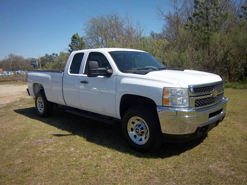 2011 CHEVROLET 3500 SILVERADO EXT CAB L BED 4DR white this is a hard to find truck do you want