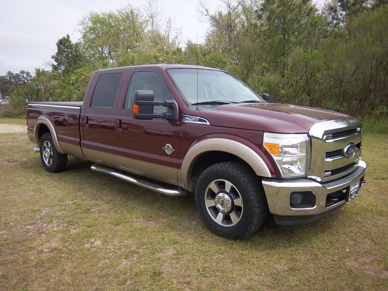 2013 FORD F-250 SUPER DUTY LARIAT 4X2 4DR CREW CAB 8 FT LB burgundy you need to come  check this