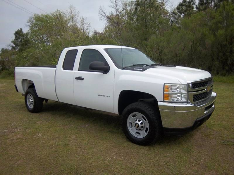 2011 CHEVROLET 2500 SILVERADO EXT CAB L BED 4DR white this truck was built to work hard for you