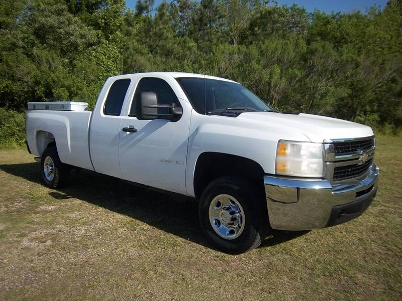 2008 CHEVROLET 2500 HD EXTENDED CAB 4DR white this is a heavy duty 2500  extended cab long bed tr