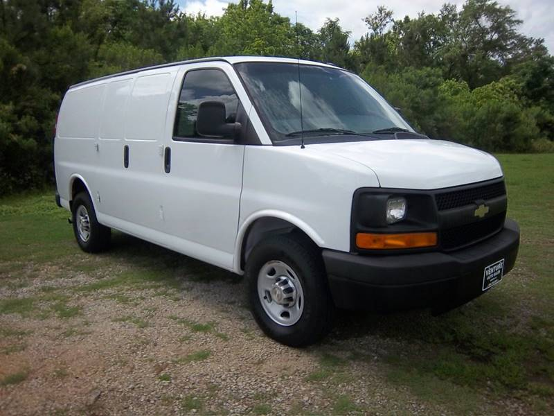 2014 CHEVROLET 3500 EXPRESS CARGO VAN 3DR white for a cargo van this van is exceptionally nice