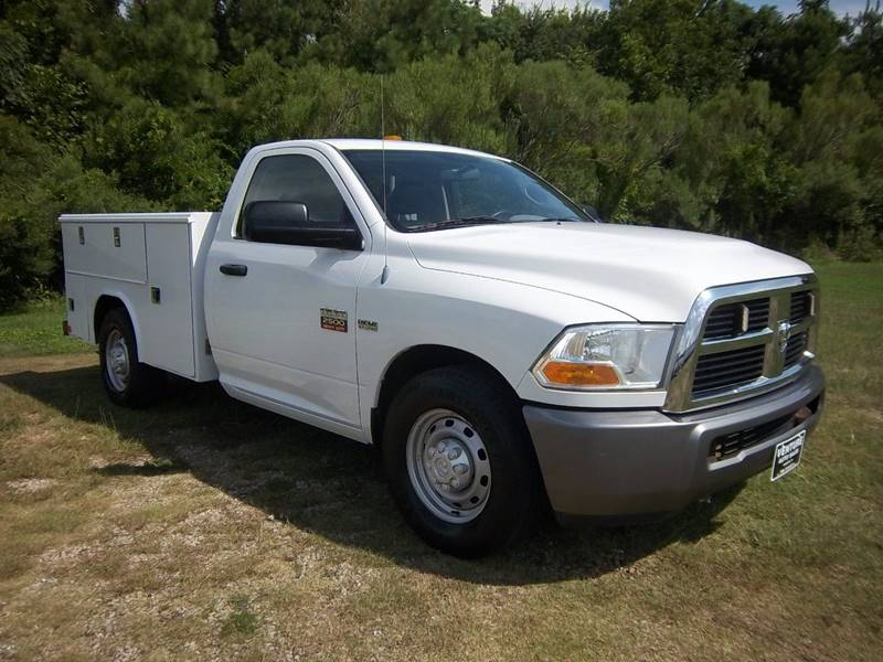 2011 RAM 2500 SERVICE TRUCK 2DR REG CAB white extremely nice  hard to find reading service body