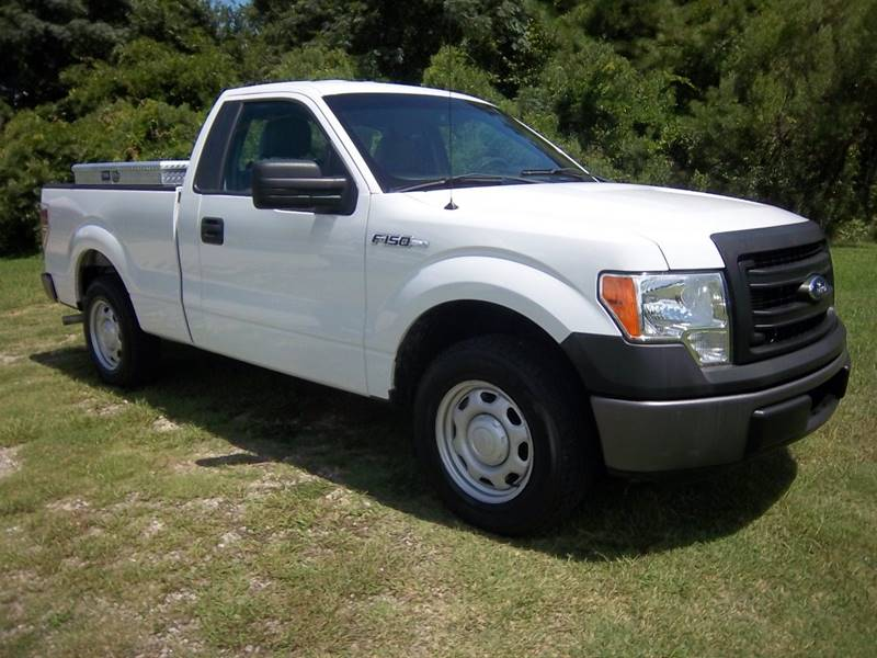 2013 FORD F-150 XL 4X2 2DR REGULAR CAB STYLESIDE white this is a really nice light duty f150 th