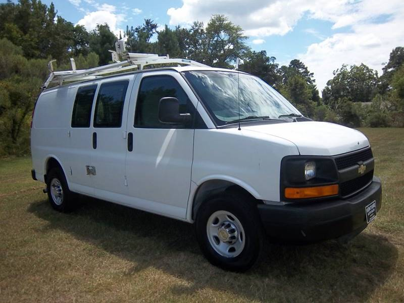 2011 CHEVROLET 2500 EXPRESS CARGO VAN 3DR white this is an extremely nice van that is set up per
