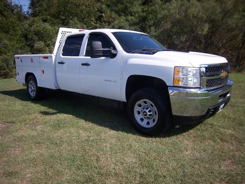 2013 CHEVROLET 3500 CREW CAB DURAMAX SERVICE 4DR white this is an extremely hard truck to find c