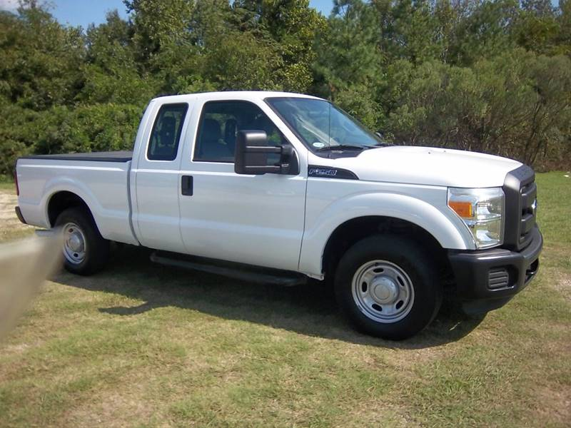 2012 FORD F250 XL EXTENDED CAB 4DR white f250 xl 4dr extended cab 7ft short bed with a really n