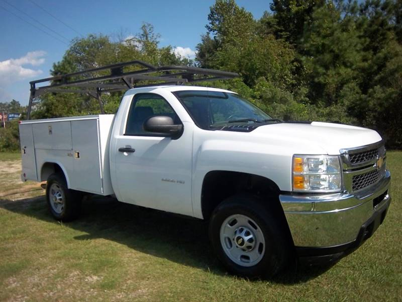2011 CHEVROLET 2500 HD SERVICE TRUCK 2DR white plenty of room to carry all your tools  supplies