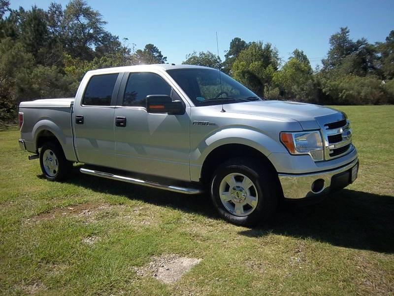 2014 FORD F150 XLT CREW CAB 4DR silver this is an extremely sharp crew cab short bed with an ar