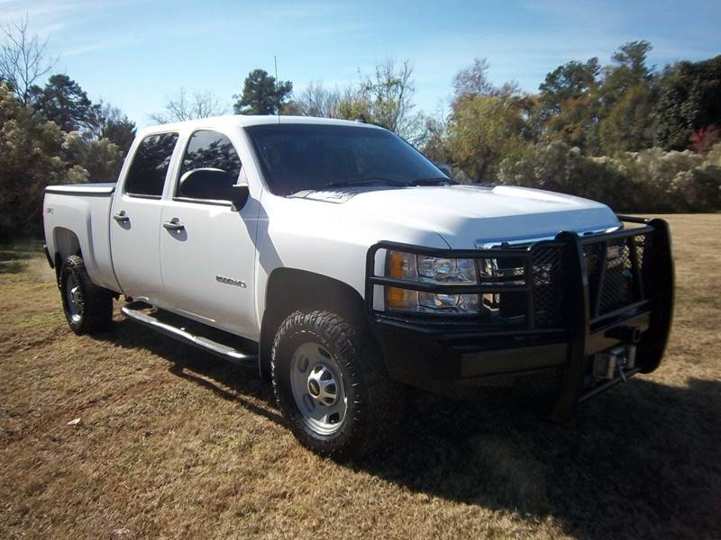 2013 CHEVROLET 2500HD 4X4 CREW CAB 4DR 66 FT BED white you must see this truck to see how sharp