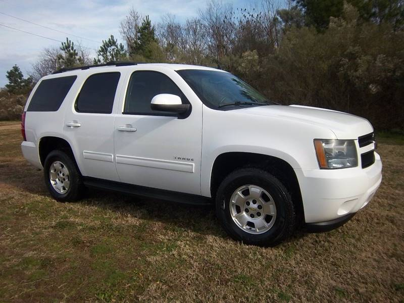 2011 CHEVROLET TAHOE LS 4X4 4DR SUV white exceptionally nice one owner fleet suv that is extra cl