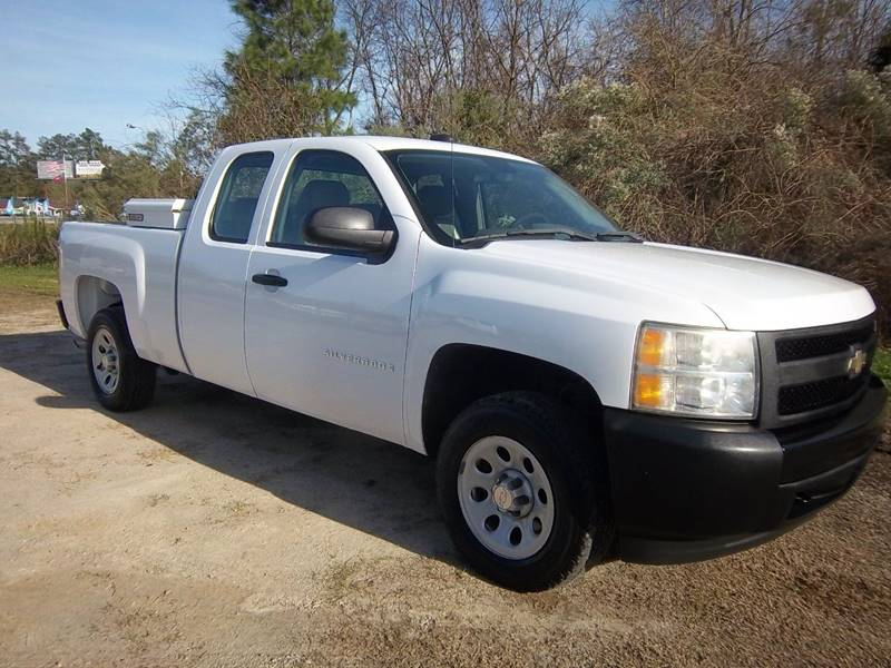 2008 CHEVROLET 1500 SILVERADO EXTENDED CAB 4DR white exceptionally nice  very well maintained o