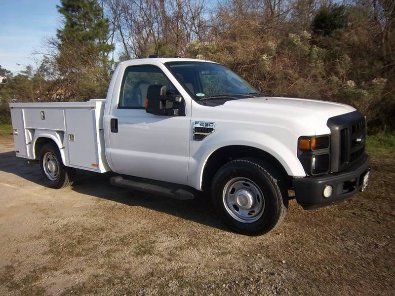 2010 FORD F250 XL SERVICE TRK 2DR white knapheide service body with flip tops  a one locking sys