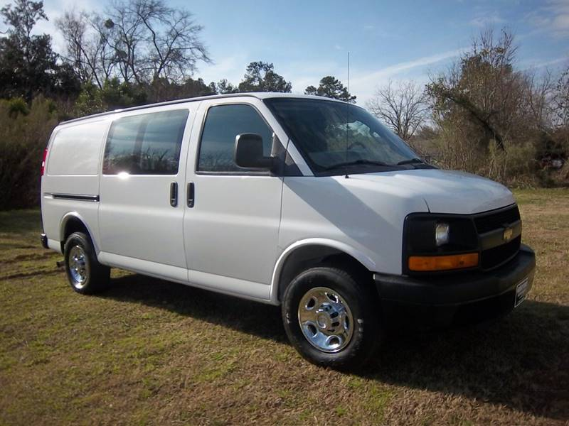 2016 CHEVROLET 2500 EXPRESS CARGO VAN 3DR white two sides of extremely nice adrian steel shelves