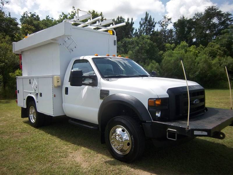 2010 FORD F550 XL HI TOP SERVICE TRUCK 2DR white this truck is a moving storage building you will