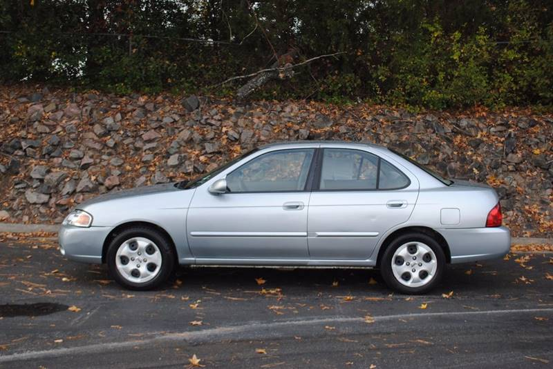 2004 NISSAN SENTRA 18 S 4DR SEDAN silver clean carfax great on gas low miles front air conditi