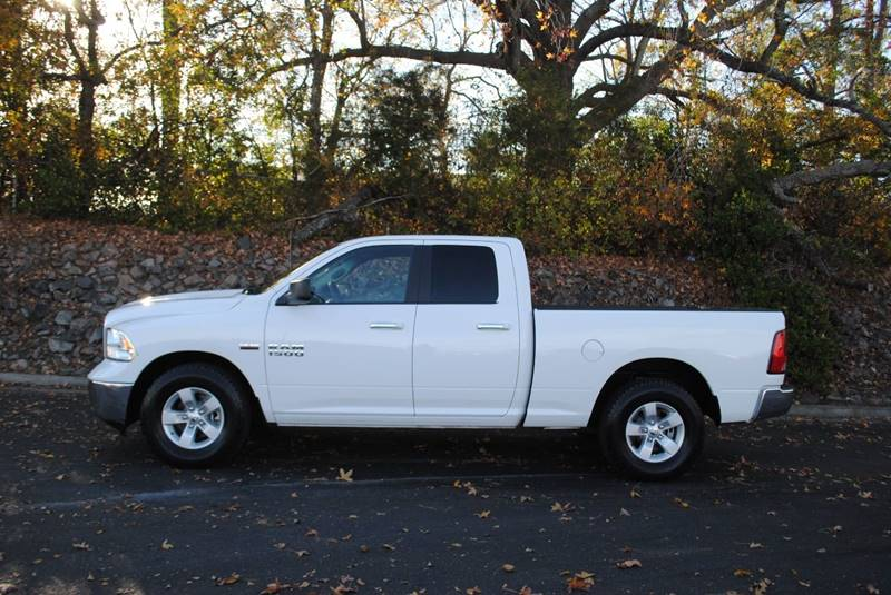 2015 RAM RAM PICKUP 1500 SLT 4X2 4DR QUAD CAB 63 FT SB white pickup bed light tailgate - remova