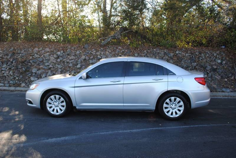 2012 CHRYSLER 200 LX 4DR SEDAN silver no accidents very clean car and great on gas door handle