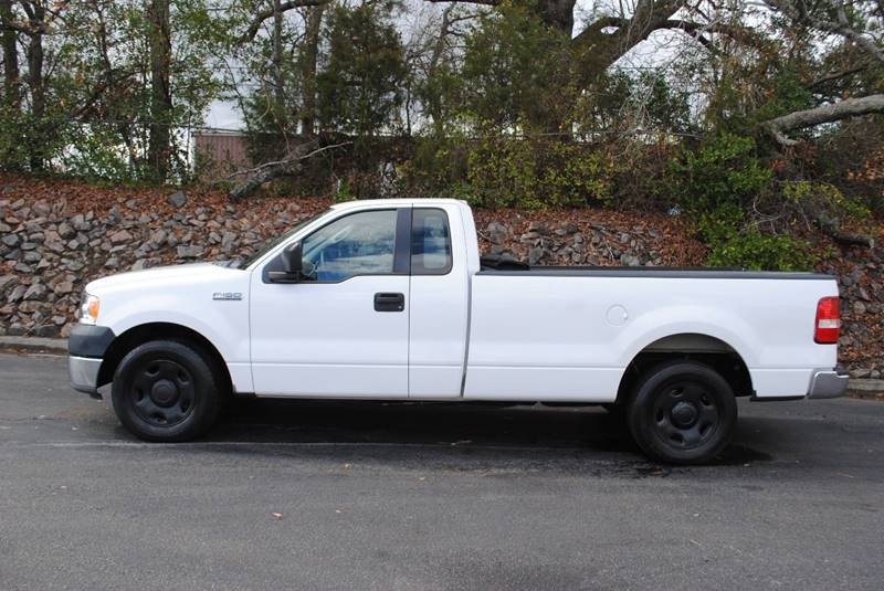2005 FORD F-150 XL 2DR STANDARD CAB RWD STYLESID white front bumper color - chrome rear bumper c
