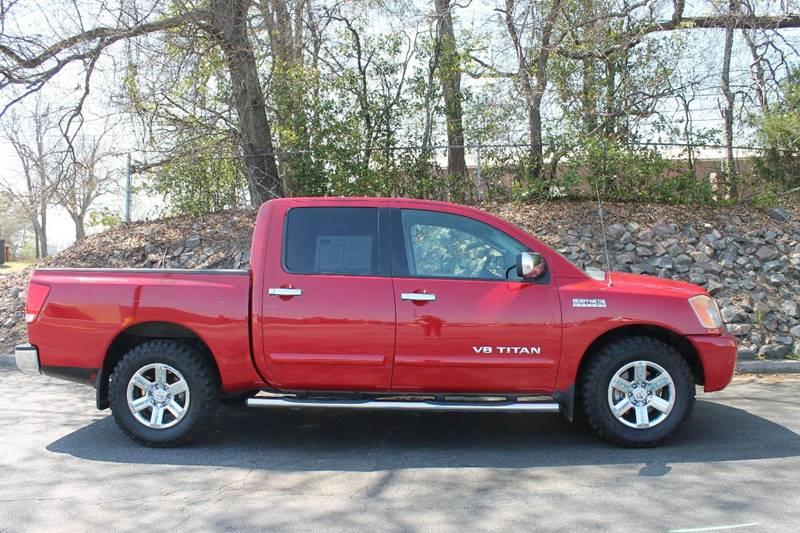 2011 NISSAN TITAN SL 4X2 4DR CREW CAB SWB PICKUP red clean truck back up assist plenty of stora