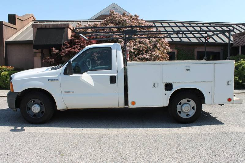 2006 FORD F250 white diesel 60l recently bullet proof work truck with plenty of storage 150