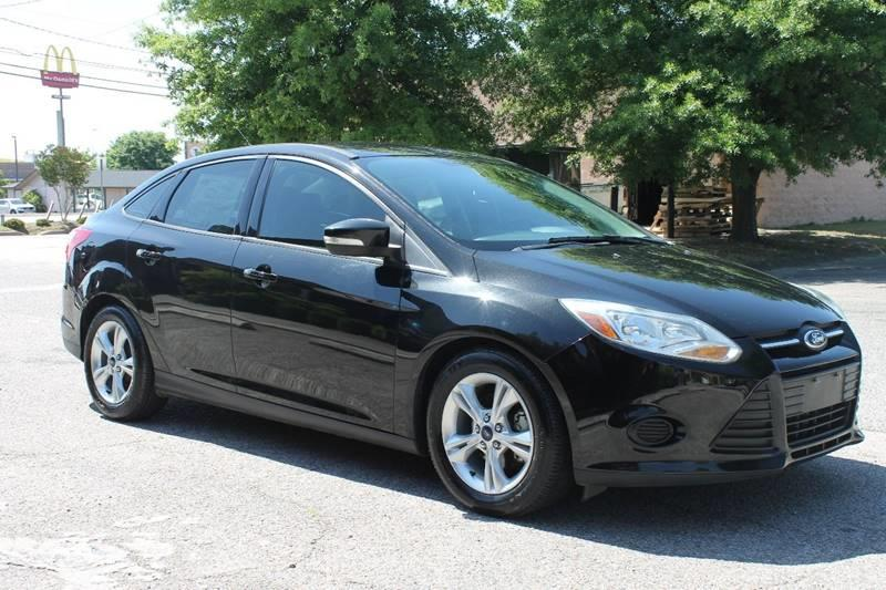 2014 FORD FOCUS SE 4DR SEDAN black clean car low mileage  front bumper color - body-color grill