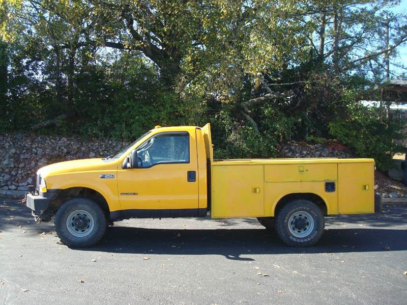 2003 FORD F-350 XL 4WD yellow 245115 miles VIN 1FDSF35F43EB11983