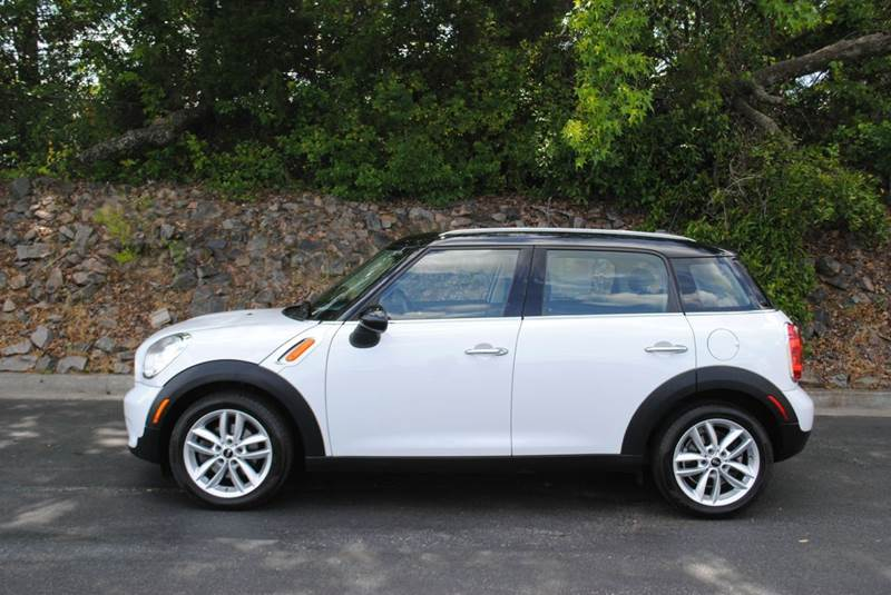 2011 MINI COOPER COUNTRYMAN BASE 4DR CROSSOVER white exhaust tip color - chrome front bumper col