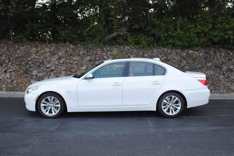 2010 BMW 5 SERIES 535I 4DR SEDAN white exhaust - dual tip door handle color - body-color exhaus