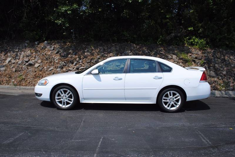 2010 CHEVROLET IMPALA LTZ 4DR SEDAN white 3 months free siriusxm satellite radio clean car with
