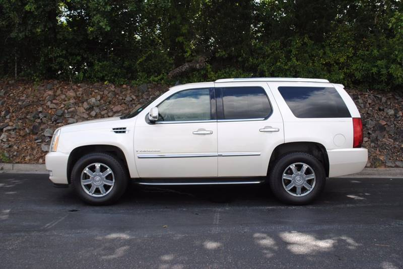 2007 CADILLAC ESCALADE BASE AWD 4DR SUV white running boards - step tow hooks - front trailer h