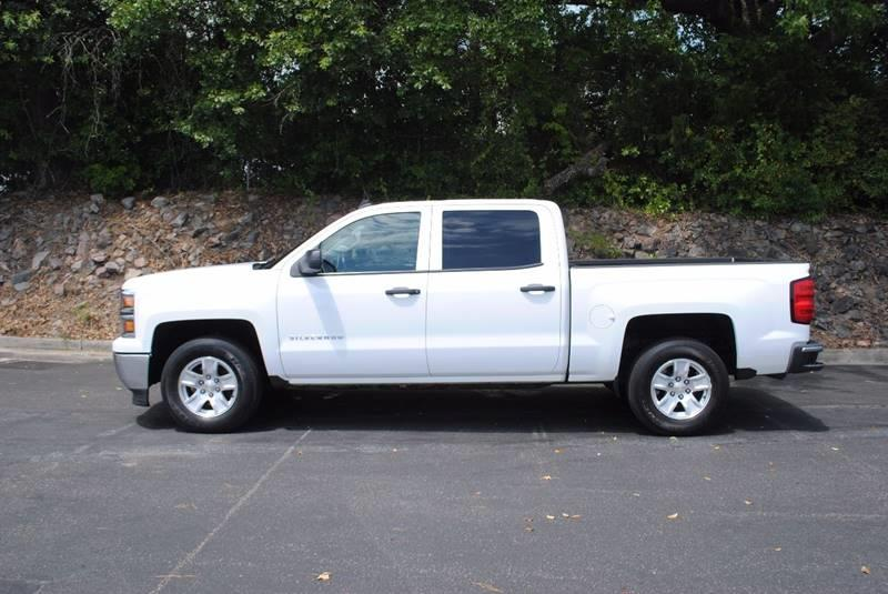 2014 CHEVROLET SILVERADO 1500 LT 4X2 4DR CREW CAB 58 FT SB white no accidents 3 months free si