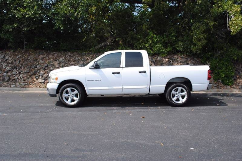2007 DODGE RAM PICKUP 1500 SLT 4DR QUAD CAB SB white pickup bed light pickup bed type - fleetsid