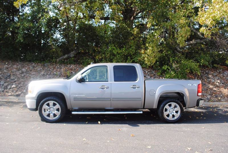 2009 GMC SIERRA 1500 SLT 4X4 4DR CREW CAB 58 FT SB tan no accidents 3 months sirius satellit