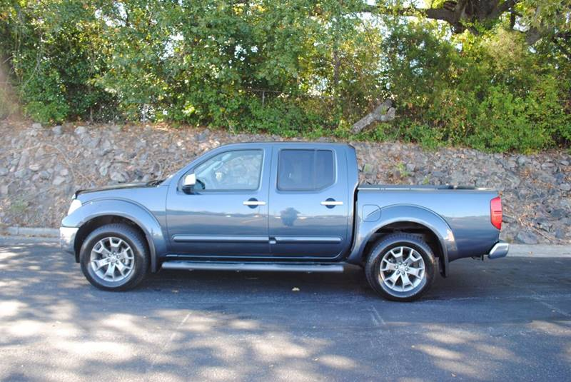2014 NISSAN FRONTIER S 4X4 4DR CREW CAB 5 FT SB PICK steel gray pickup bed light tow hooks - fr