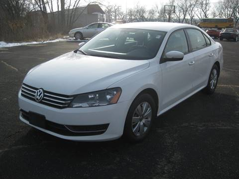 2013 Volkswagen Passat for sale at Pre-Owned Imports in Pekin IL
