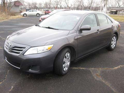 2010 Toyota Camry for sale at Pre-Owned Imports in Pekin IL